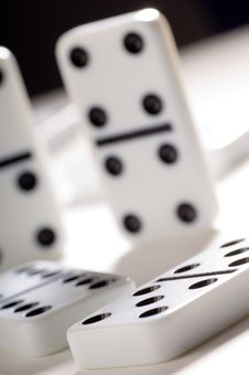 Free Dominoes Royalty Free Stock Image - 2793246