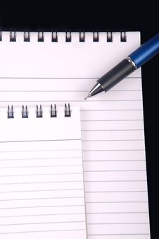Free Note Book With Pen Royalty Free Stock Photos - 2794558