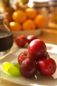 Free Fresh Fruits Royalty Free Stock Image - 2794966