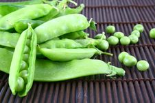 Free Green Pea Royalty Free Stock Images - 2799819