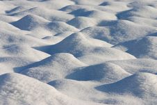 Free Dunes Of Snow In A Country Field Royalty Free Stock Photo - 27902885