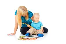 Free Beautiful Mother With A Child Draw With Pencils Royalty Free Stock Photos - 27903588