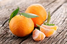 Free Tangerines With Leaves Stock Photography - 27912882