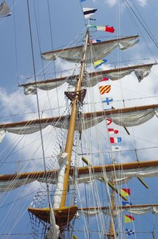 Free Masts And Nautical Flags Royalty Free Stock Image - 27929766