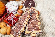 Free Christmas Cookies Royalty Free Stock Photo - 27941015
