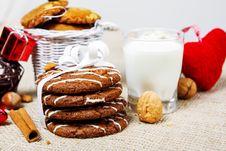 Free Cookies, Nuts, Milk Stock Photo - 27941020
