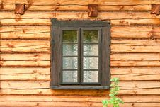 Free Window Of A Old Wooden Cottage Stock Photography - 27952602