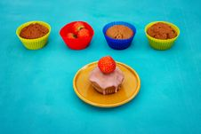 Free Cupcake With Strawberry Stock Photography - 27956802