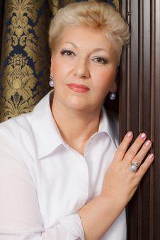 Free Elegant Senior With Jewelry Stock Photos - 27972933