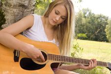 Free Play With The Guitar Royalty Free Stock Images - 27975769