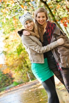 Free Smiling Teens Stock Photo - 27976320