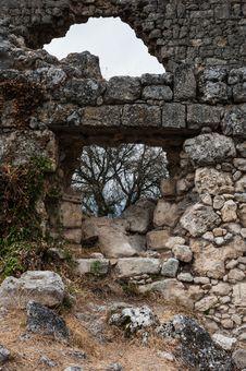 Free Ruins Royalty Free Stock Photos - 27977838
