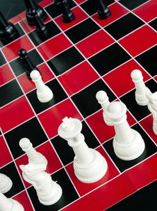 Free Chess Game Board  Red Black White Colors Royalty Free Stock Photos - 27982988