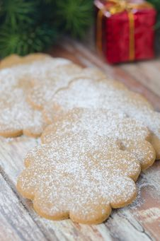 Ginger Biscuits Sprinkled With Icing Sugar Royalty Free Stock Photo