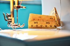 Free Sewing Machine Stock Photo - 27988330