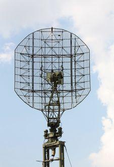 Free Radar Antenna Royalty Free Stock Photography - 27988677