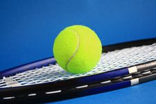 Free Tennis Royalty Free Stock Photography - 27991007