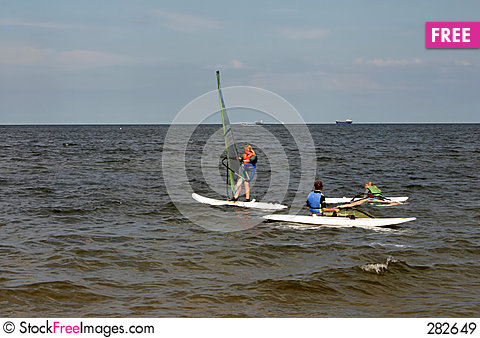 Free Windsurfing Lesson Royalty Free Stock Images - 282649