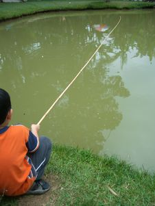 Free Little Boy Fishing 3 Stock Photography - 281382