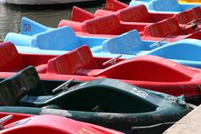 Free A Line Of Pedalos Royalty Free Stock Photos - 285138