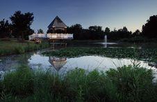 Free Gazeebo Over Pond Royalty Free Stock Photo - 286635