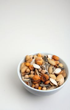 Free Bowl Of Nuts Royalty Free Stock Photos - 2800018