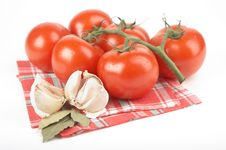 Free Tomatoes, Garlic, Bay Leaf Stock Images - 2808004