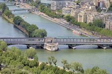 Free River Seine Royalty Free Stock Image - 2808576