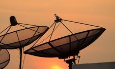 Free Satellite Dish Sky Sunset Royalty Free Stock Photography - 28000227