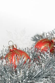 Free Christmas Balls And Snowflakes On Tinsel Royalty Free Stock Photo - 28006065
