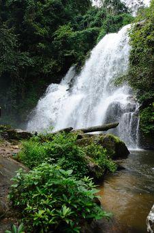 Free Waterfall Stock Photo - 28012510