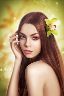 Beauty With Healthy Straight Hair With Flower Royalty Free Stock Photography