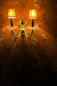 Free Vintage Wall Lamp Stock Photography - 28021392