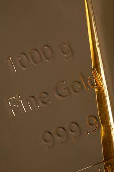 Free Ingot Of Bank Gold. Stock Photo - 28026790