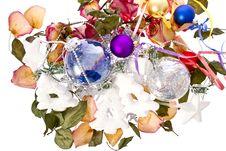 Free Christmas Petals Royalty Free Stock Photo - 28035425