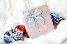 Free Beautiful Gift Box Royalty Free Stock Photo - 28047285