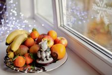 Free Christmas Fruit Royalty Free Stock Photo - 28051435