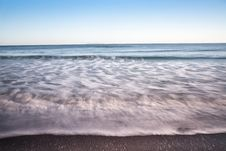 Free Smooth Waves. Royalty Free Stock Images - 28052809