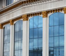 Free Glass Building Royalty Free Stock Photos - 28065128