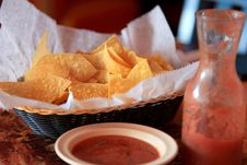 Free Tortilla Chips Salsa Royalty Free Stock Photo - 28065175