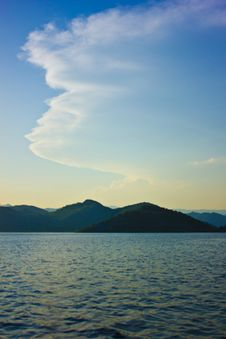 Free Clouds, Mountains, Sea Royalty Free Stock Photo - 28066625
