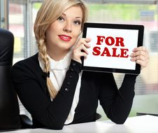 Free Businesswoman The Office With Tablet Stock Photos - 28066883