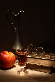 Free Vintage Still Life Royalty Free Stock Photography - 28071997