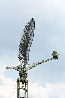 Free Radar Antenna Royalty Free Stock Images - 28075819