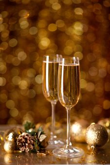 Free Two Glasses Of Champagne Stock Photo - 28087220