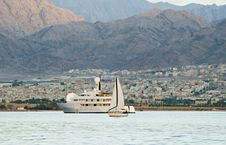 Free View On The Aqaba City And Pleasure Yachts Stock Photography - 28087952