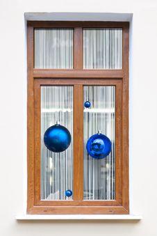 Free Fur-tree Spheres Holiday Background Stock Photos - 28095863