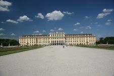 Free Schonbrunn Palace Royalty Free Stock Image - 2811916