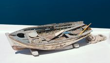 Free Old Worn-out Boat Royalty Free Stock Photo - 2812385