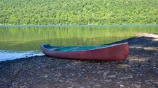 Free Red Canoe Royalty Free Stock Image - 2812466